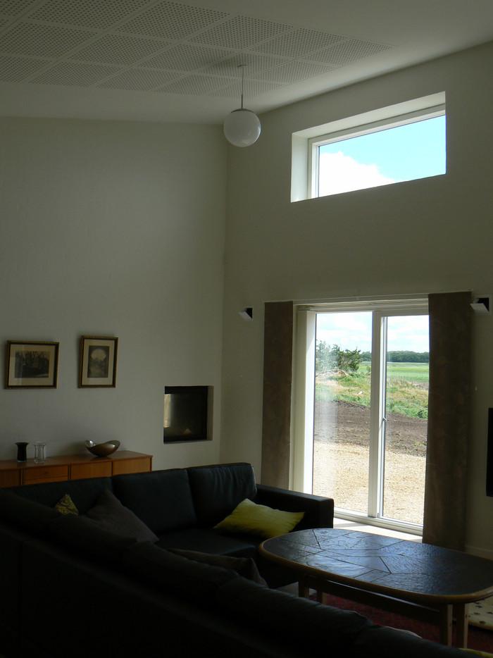 Nyt stuehus - Stue med stor tilførsel af dagslys