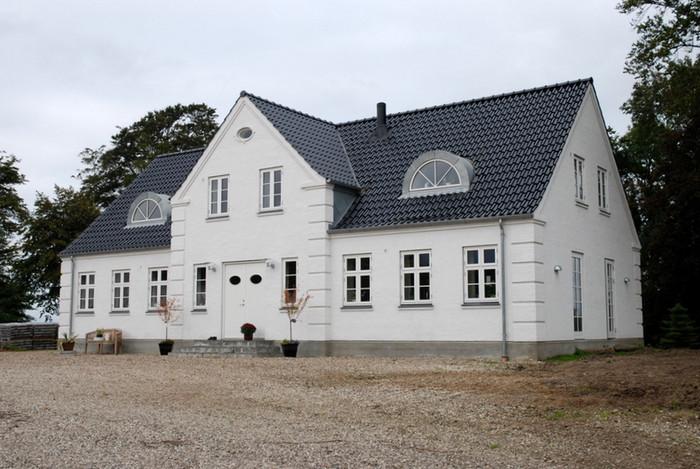 Stuehus gårdfacade - set fra højre